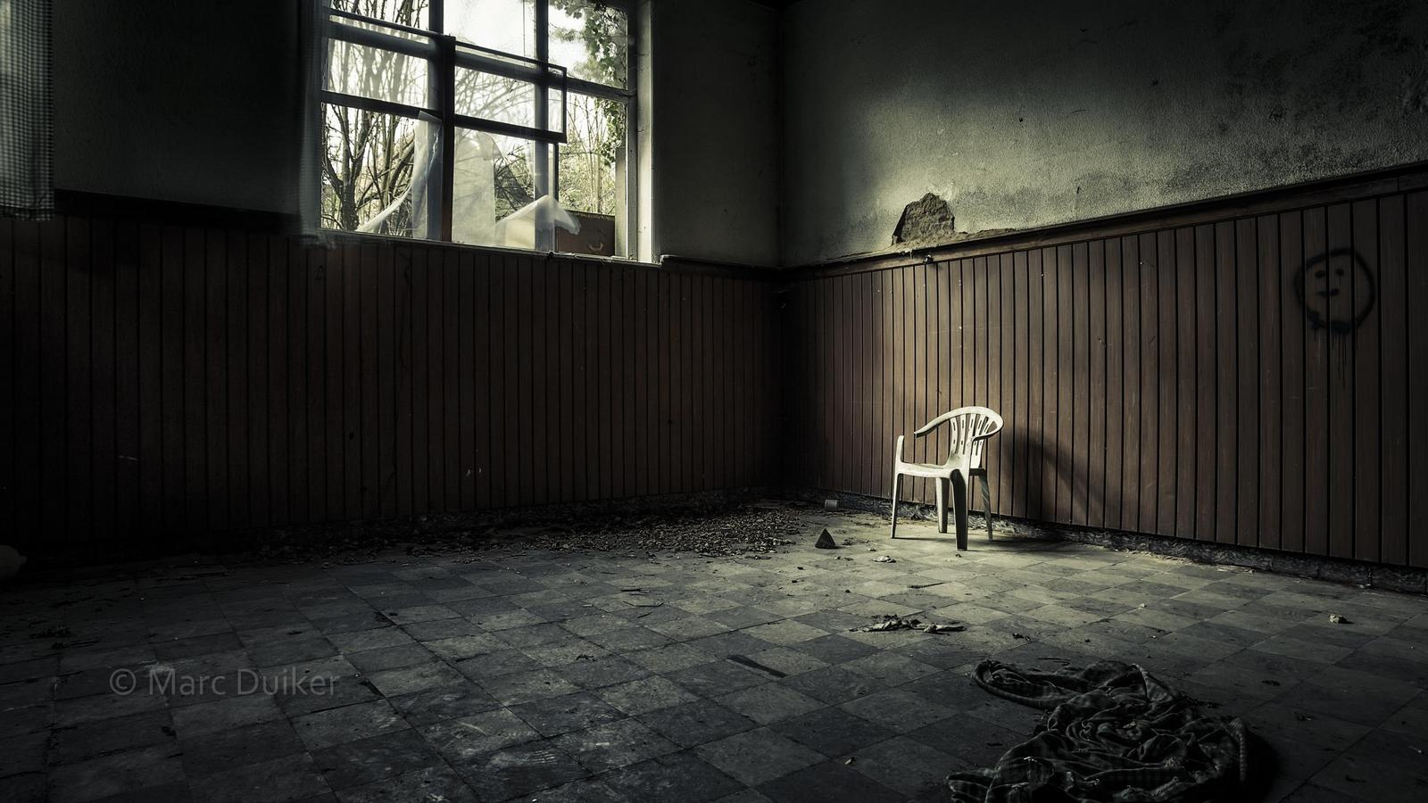 'After the interrogation' © by Marc Duiker